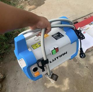 安装简便,携带方便,清洗干净的洗车神器!