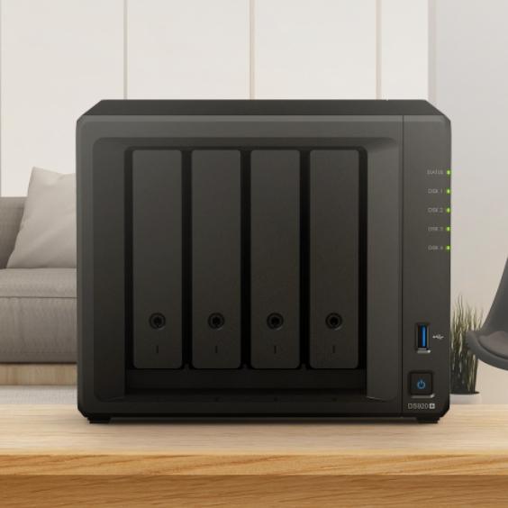 小编精选 : Synology 群晖 DS920+ 四核心四盘位 NAS网络存储服务器