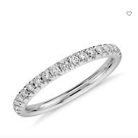 Blue Nile  法式密钉钻石戒指
