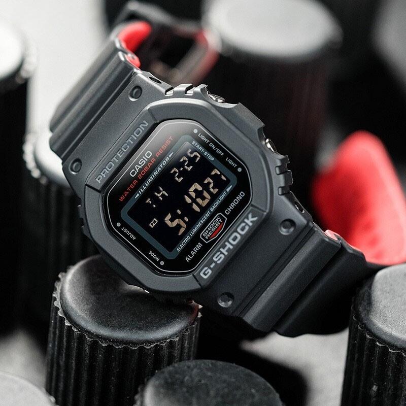 CASIO 卡西欧 G-SHOCK系列 DW-5600HR-1 运动男表