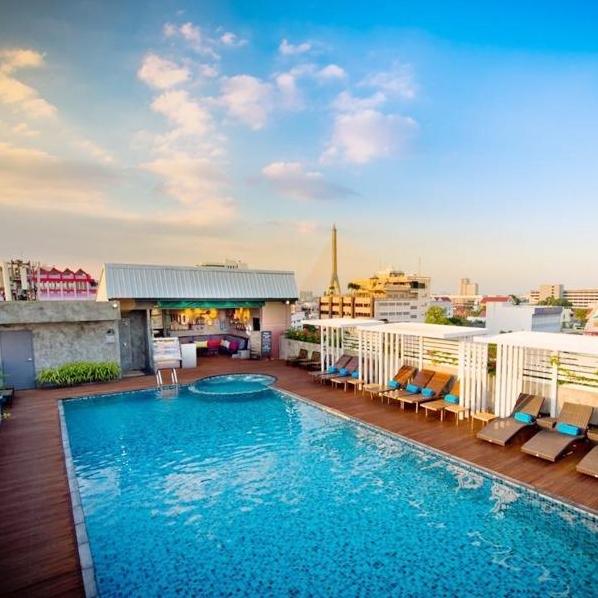 泰国曼谷 诺沃城大酒店 至尊豪华房15晚隔离套餐 含每日三餐+接机+2次核酸检测+每日2次体温监测