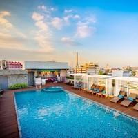 奇葩物:泰国曼谷 诺沃城大酒店 至尊豪华房15晚隔离套餐 含每日三餐+接机+2次核酸检测+每日2次体温监测