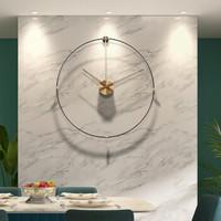 納什 (nashi) 西班牙創意極簡掛鐘客廳家用時尚鐘表現代簡約個性免打孔北歐時鐘 胡桃木+銅+高玻纖維