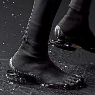 小编精选 : BALENCIAGA 巴黎世家 x Vibram 限量版 Toe 五趾鞋