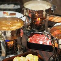 王牌小火锅+从天目湖运来鱼头熬汤!上海环球港凯悦酒店自助餐