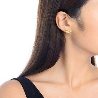 Chow Sang Sang 周生生 68738E 女士心形足金耳钉
