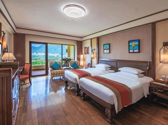 三亚天域度假酒店 二区豪华山景房2晚(含2大2小早餐+旅拍+亲子活动+水寨乐园)