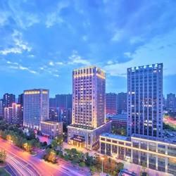 周末不加价!杭州博奥开元名都酒店 豪华房1晚(含早餐+双人森泊水乐园门票)