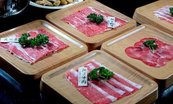 上海卓美亚喜玛拉雅酒店M6和牛自助餐+网红teamLab门票