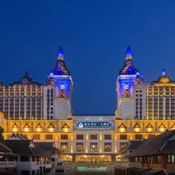 告庄西双景内!西双版纳湄公河景兰大酒店2晚(含双早+接送机+曼听公园傣楼1日游)