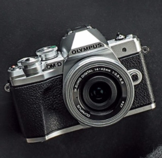 OLYMPUS 奥林巴斯 OM-D系列 E-M10 Mark III S 微单(银色、单头套机、F3.5、14-42mm)
