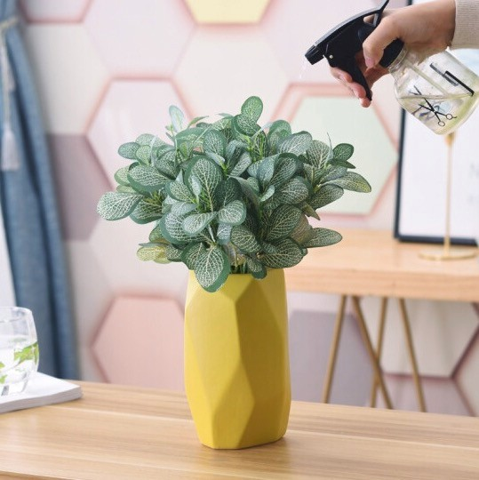 Hoatai Ceramic 华达泰陶瓷 华达泰 北欧黄色小号几何花瓶 (含3束斑马草)