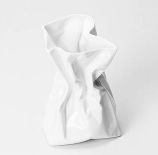 UCCA 尤伦斯当代艺术中心 谢东褶皱系列 《骨瓷花瓶》 9.5*16.5*11cm 骨瓷 白色
