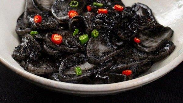 外表像黑暗料理,内在是正经的地中海美味