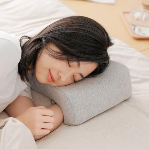 8H  记忆绵午睡枕 K2 混灰色