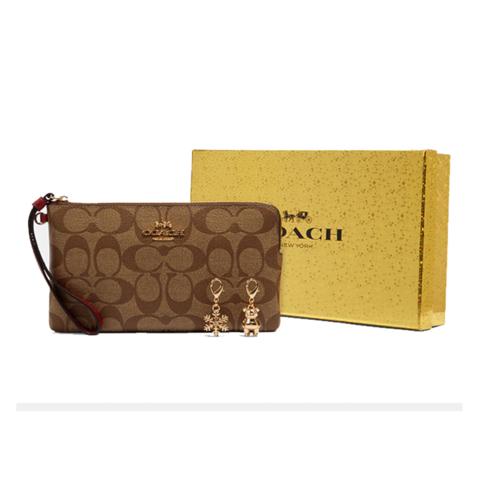 蔻驰(COACH)经典C花纹棕色手包圣诞限量礼盒+挂饰2个c1748_ims5j