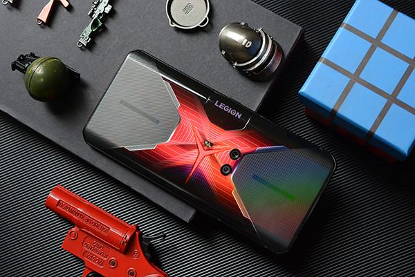 小编精选:架构革命、为战而生 | Lenovo 联想 拯救者电竞手机 Pro 5G手机 12GB+256GB 炫蓝冰刃