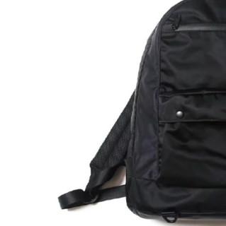 F CE. 缎面后背包