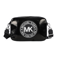 MK 女士FULTON運動風中號漆皮大圓標相機包