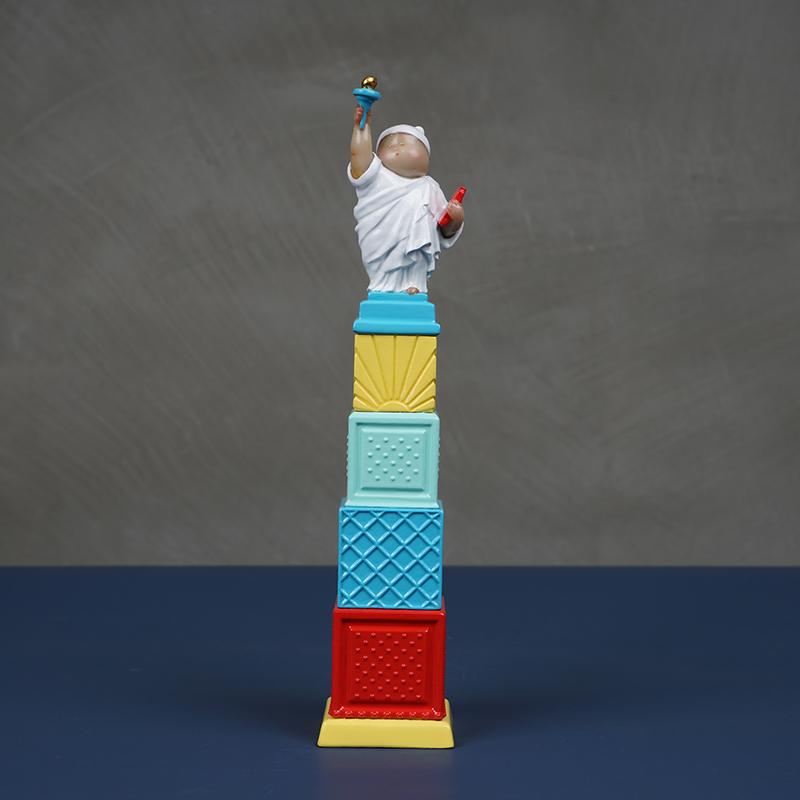 稀奇艺术《自由男神》迷你奖杯版雕塑客厅装饰品摆件礼盒装