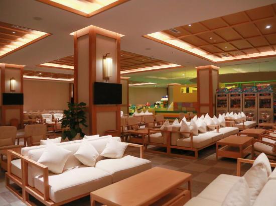 青岛红树林度假世界珊瑚酒店高级海景房2晚(含早中晚三餐+汤泉+探险王国门票+
