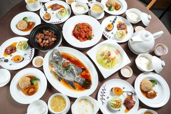 298元在上海地标吃海鲜自助晚餐!298元享12荤12素香天下火锅8人餐