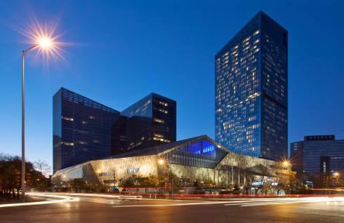周末/五一不加价!北京金茂威斯汀大饭店威斯汀豪华大床房1晚(含早餐+午市/晚市日料会席套餐)