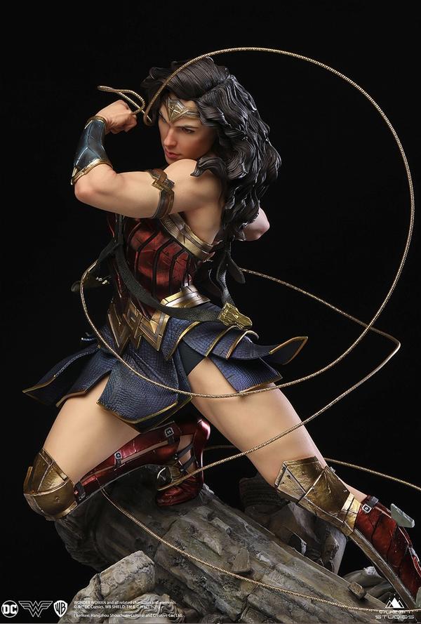Queen Studios QUEEN STUDIOS DC神奇女侠 1/4 全身像雕像