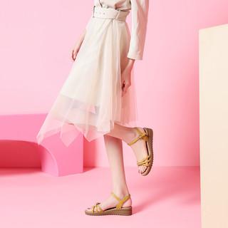 骆驼 女鞋2021夏季新款凉鞋女休闲时尚一字带真皮凉鞋女妈妈鞋 A025046267 米色  38