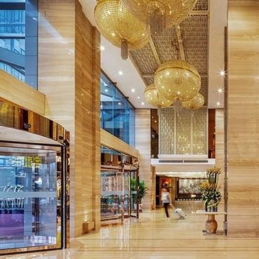 周末/节假日不加价!成都明宇尚雅酒店家庭客房1晚(含双早+熊猫基地门票)