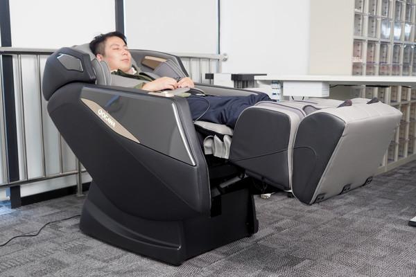 小编精选:2021鼎新力作,奥佳华OG-7505MAX唱享椅开创全方位热敷体验