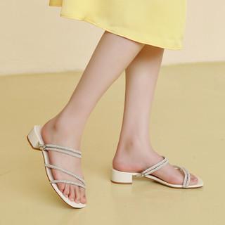 Josiny 卓诗尼 15411091208 女士简约凉鞋
