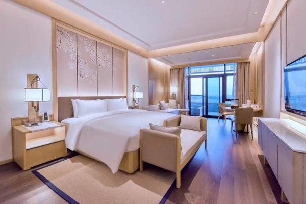 苏州湾华邑温泉度假酒店 高级大床房2晚 含早餐+双人温泉1次