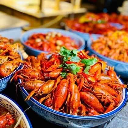 闪购!芝士小青龙、环球海鲜刺身、BBQ、哈根达斯统统有!上海千禧海鸥大酒店小龙虾主题自助晚餐