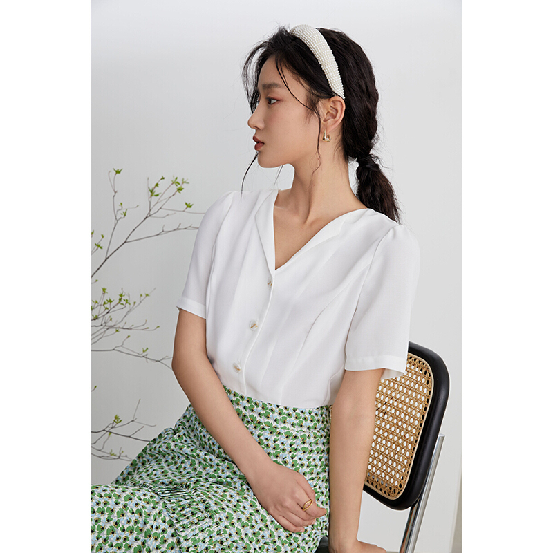 FANSILANEN 范思蓝恩 Z211249 女士气质短袖设计感小众V领雪纺上衣
