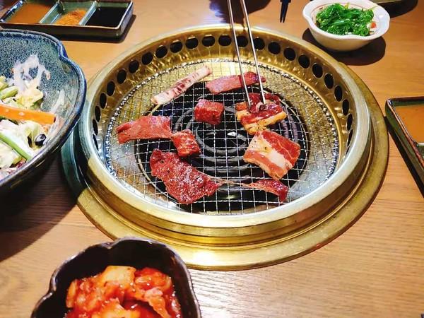 浓浓日式风情!上海新世界城优炙和牛烧肉2-3人餐