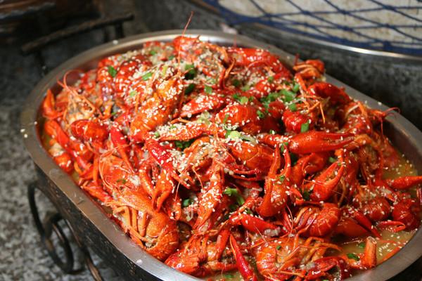 小龙虾无限畅吃!上海浦东绿地铂骊酒店 双人小龙虾海鲜自助晚餐