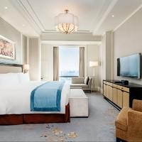 节假日通用!上海中庚聚龙酒店 豪华客房1晚(含奈尔宝门票+双人早餐)