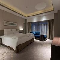 上海中星铂尔曼大酒店高级大床房1晚(含双早)