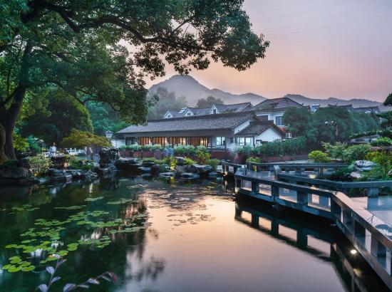 暑假不加价!上海/杭州/湖州/张家界品质民宿4店通兑1晚房券(含早餐)