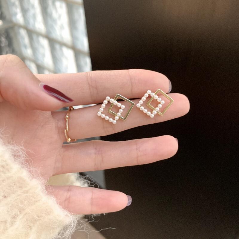 HU LI LAN 湖丽兰 925银针几何菱形珍珠百搭耳钉气质耳环时尚网红耳饰女节日礼物 菱形耳钉