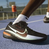 NIKE高配实战球鞋的代表,Kobe Ad Nxt 的灵魂续作
