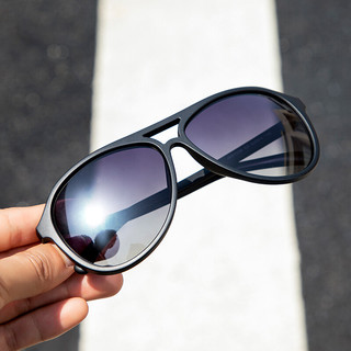 healbud 偏光太阳镜男女防紫外线墨镜女轻盈开车驾驶太阳眼镜 渐进灰镜片哑光黑镜框