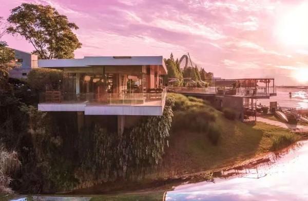 成都 麓湖麓客岛•落日悬崖餐厅,三面环湖 临崖而建
