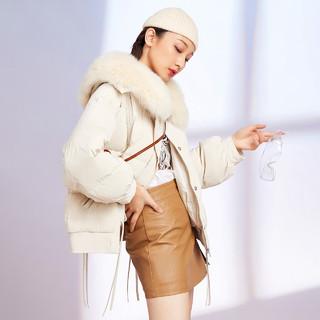 SNOWFLYING 雪中飞 2020秋冬新款休闲短款时尚连帽毛领不规则羽绒服保暖外套女