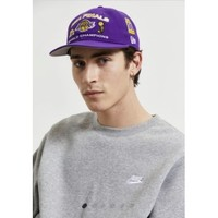 UO New Era 紫色棒球帽