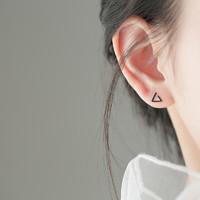 YYEU 黑色三角925银耳钉女简约气质耳环小耳垂适合的小巧耳饰百搭 通体925银黑色三角耳钉