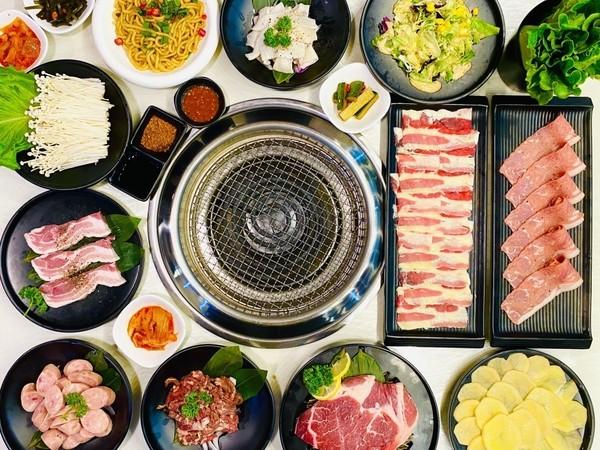 杭州遇上烤肉小火锅,在烈日炎炎的夏季,享受滋滋烤肉的美味!