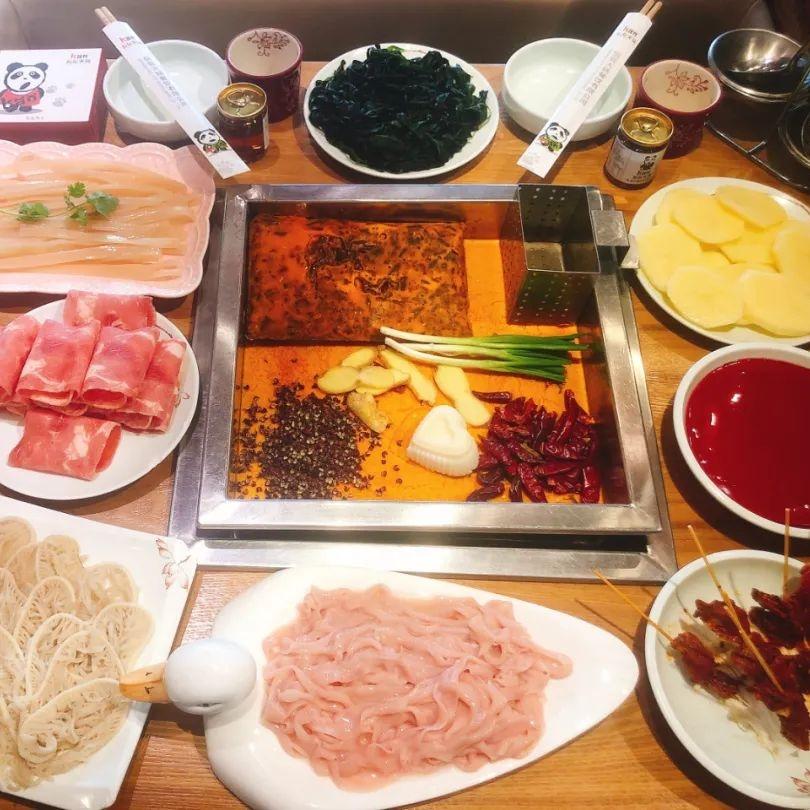 文末抽免单 : 成都侃侃火锅,五荤三素一小吃,人均20吃到撑!