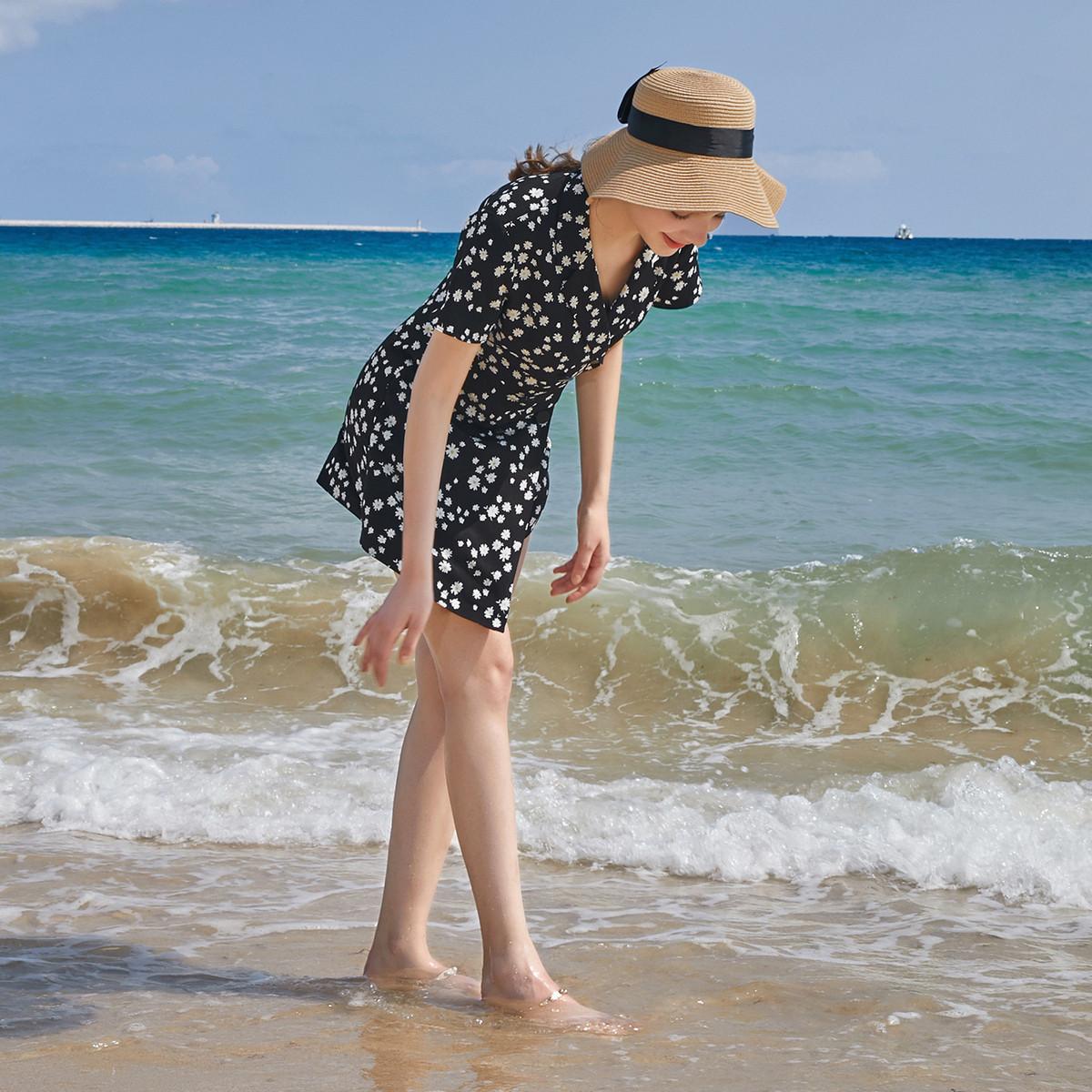 24日10点、促销活动 : 夏日浪漫穿搭—三彩美裙 唯品会大牌日